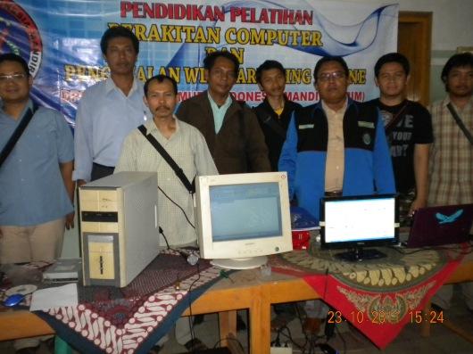 Bayu Bersama peserta Diklat Perakitan Computer GPIM