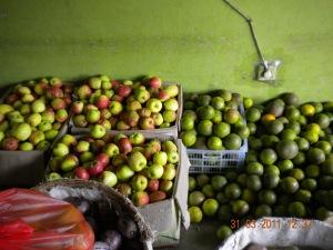 BUah Apel di Pasar Grosir Kota Kediri