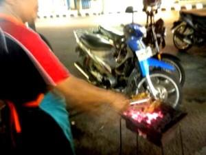 Wisata Kuliner Khas Kediri : Ayam Bakar Doho Jalan Stasiun Kota Kediri