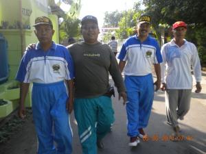 ayu sedang Kerja Bakti di Kelurahan Singonegaran Kediri (2)